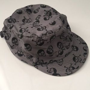 Other - ☠️Black and grey skull cap ☠️